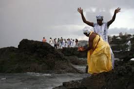 Βραζιλία: Συμμορίες Ευαγγελιστών διεξάγουν ιερό πόλεμο ενάντια στα Αφροβραζιλιάνικα δόγματα στο Ριο ντε Τζανέιρο.