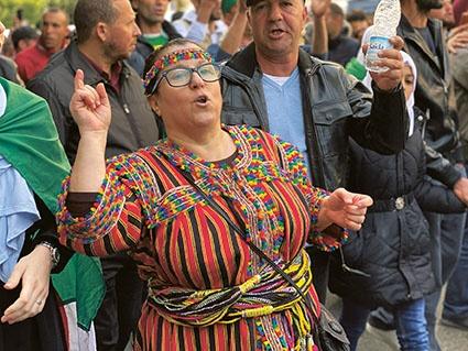 """Η εξέγερση της Αλγερίας : """" Η χώρα είναι δική μας και θα κάνουμε οτι θέλουμε"""""""