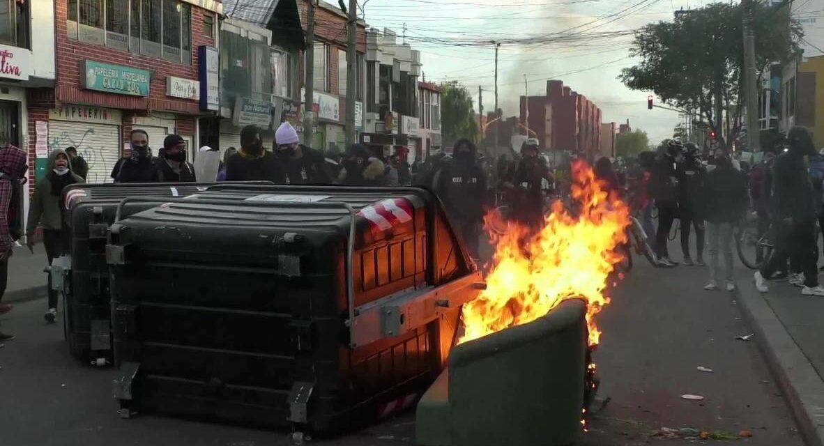 Κολομβία: Νεκροί διαδηλωτές στη Μπογκοτά κατά τη διάρκεια διαμαρτυριών για τη δολοφονία δικηγόρου από την αστυνομία