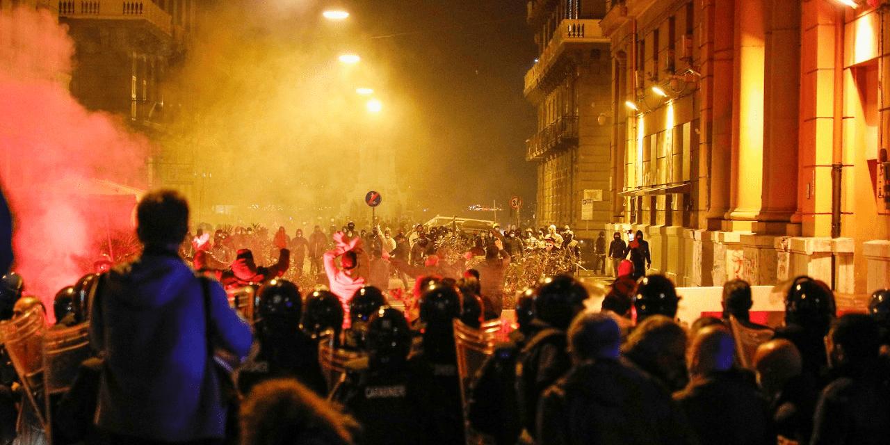Νάπολη: Μια νύχτα εξέγερσης ενάντια στην κατάσταση έκτακτης ανάγκης και απαγόρευσης της κυκλοφορίας