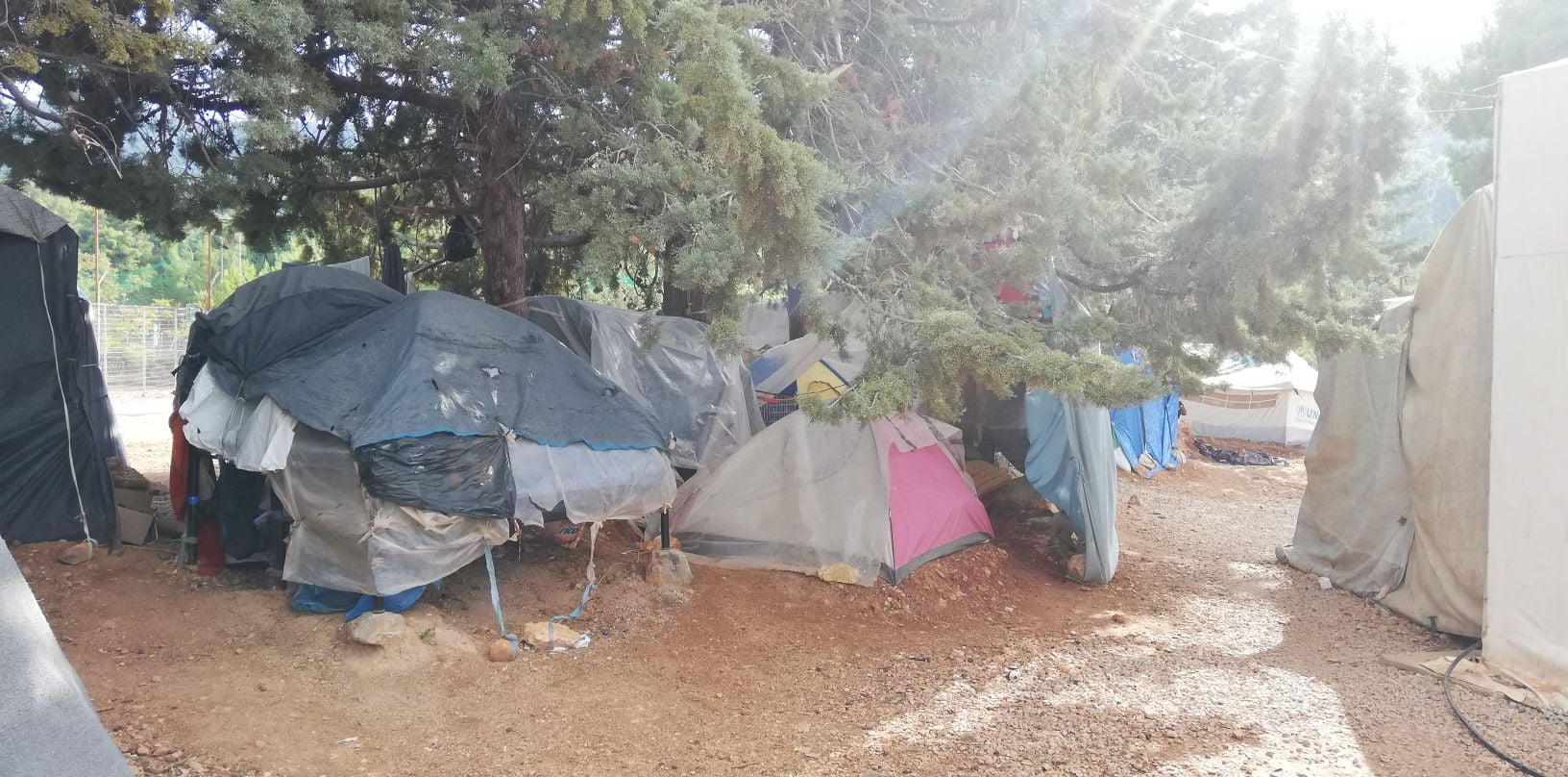 Ανταπόκριση από το camp προσφύγων στη Μαλακάσα