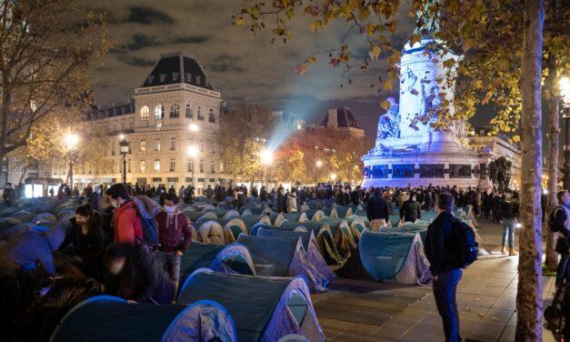 Γαλλία: Βίαια απομάκρυνση μεταναστών – Η δημοκρατία στο χείλος του φασισμού