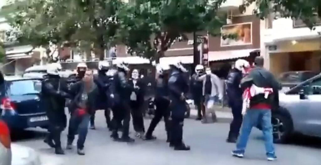 Σύλληψη φοιτητή μέσα από την αυλή του σπιτιού του στα Σεπόλια – Τραμπούκισαν τους γονείς του