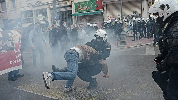 Αθήνα¨: Αστυνομική βία στο μπλοκ του ΚΚΕ