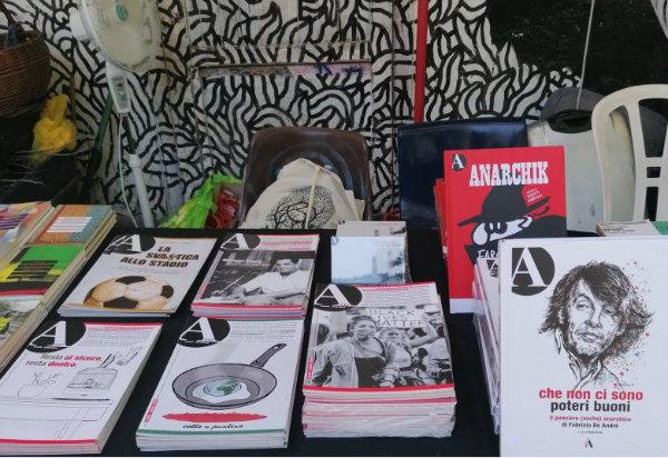 [Ιταλία] Το θλιβερό δίλημμα του περιοδικού A Rivista Anarchica
