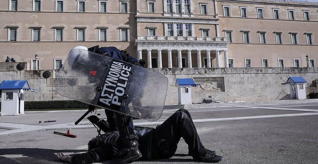Βίντεο (και νέο υλικό) από το όργιο αστυνομικής βίας σε διαδηλωτές και ρεπόρτερ απο την ΕΛΑΣ στο συλλαλητήριο 10/2/2021