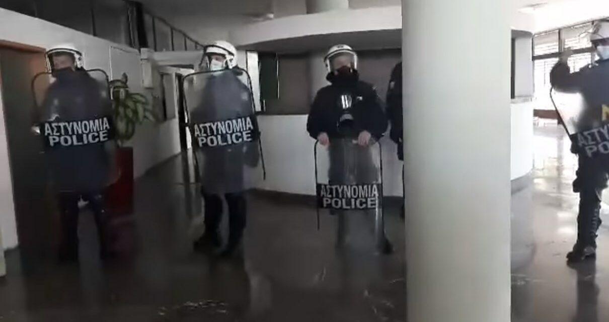 Θεσσαλονίκη – Πρυτανεία ΑΠΘ | Όργιο καταστολής απέναντι σε αγωνιζόμενους φοιτητές (pics – vids)
