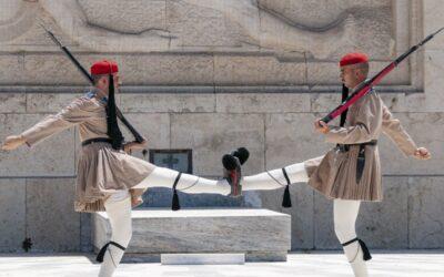 Η αλληλο-θέσμιση μεταξύ της εξουσίας του κράτους/έθνους και του ελληνικού στρατού: Το παράδειγμα της υποχρεωτικής στρατιωτικής θητείας | Αστερία Παπαδάκη