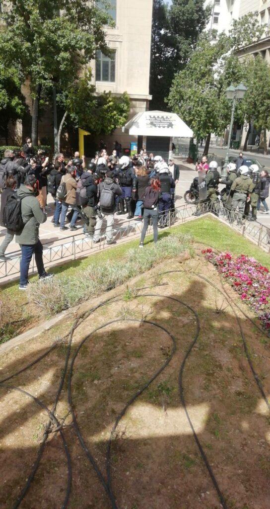 Αθήνα   Το όργιο καταστολής ενάντιον των διαδηλωτών συνεχίζεται