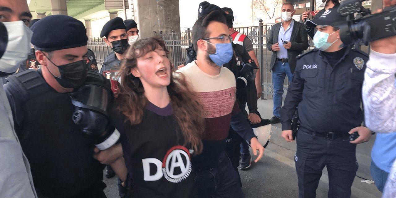 Τουρκία: Καταστολή των κινητοποιήσεων για την Εργατική Πρωτομαγιά (Video & Φωτογραφίες)