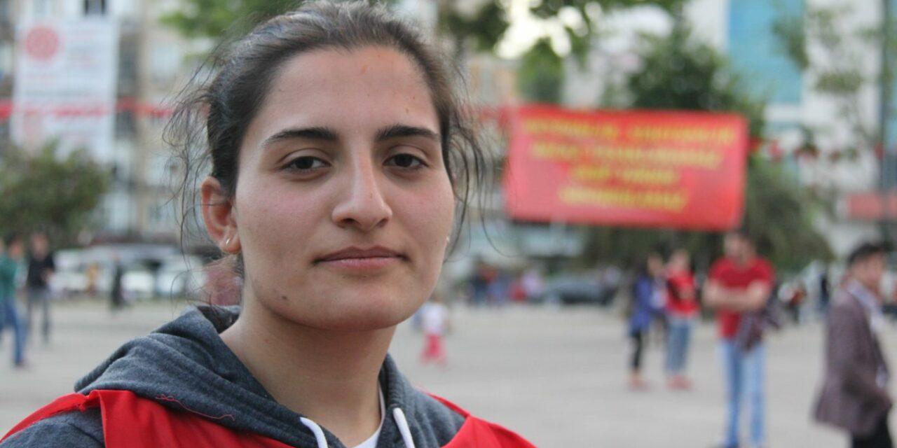 Συνέντευξη της Helin Bölek λίγο πριν τον θάνατό της από απεργία πείνας