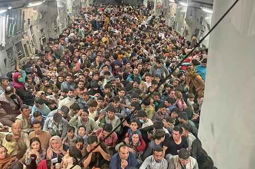 Από την Καμπούλ στην Τεγκουσιγκάλπα: πρόσφυγες ή μετανάστες ;