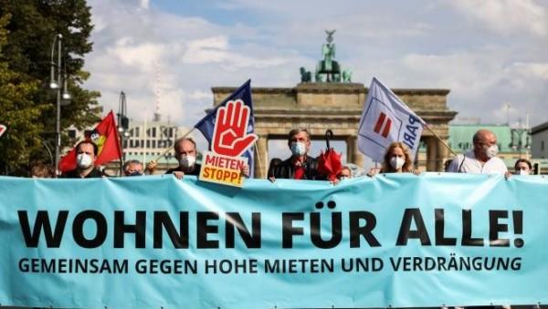 Το Βερολίνο ψηφίζει σε δημοψήφισμα μαζική απαλλοτρίωση σπιτιών από γιγάντιους κερδοσκόπους ακίνητης περιουσίας