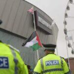 Αγγλία: Οι ακτιβιστές που αντιτίθενται στην έκθεση όπλων σε καταστολή